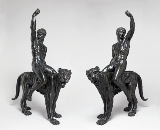 I bronzi del Fitzwilliam Museum di Cambridge (foto via www.theguardian.com)